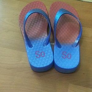 Flip flops with glitter